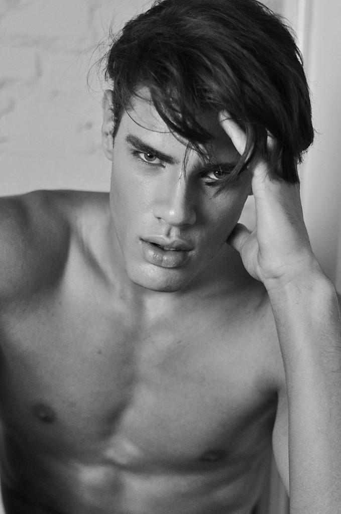 Lucas Loyola by Hudson Rennan 03